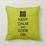 "Code.org ""guarda calma y código en "" almohadas"