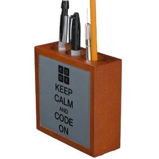 """Code.org """"guarda calma y código en """" portalápices"""