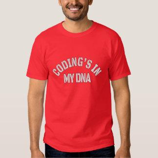 Codificación en mi DNA (texto blanco) Playera