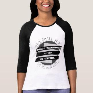 Coeficiente P/E contra coeficiente de EV/EBITDA Camiseta