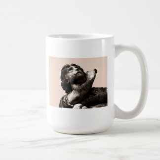 Coffee mug with contemplating angel