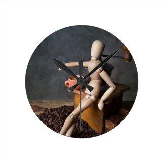 Coffee Worker Round Wallclock