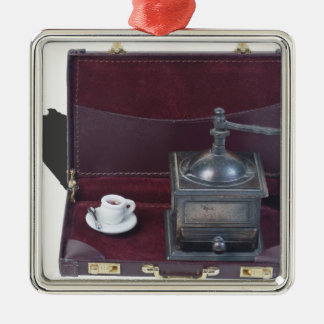 CoffeeGrinderInBriefcase082414 copy.png Adorno Navideño Cuadrado De Metal