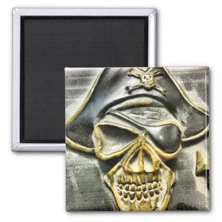 Cofre del tesoro alegre del pirata de Rogelio Imán Cuadrado