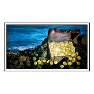 Cofre del tesoro del oro en las rocas tarjetas de visita