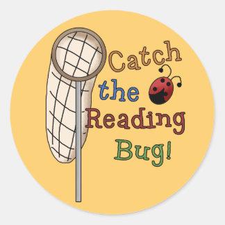 Coja a los pegatinas del insecto de la lectura