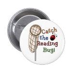 Coja el botón del insecto de la lectura pins