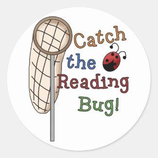 Coja las camisetas y los regalos del insecto de la pegatina redonda
