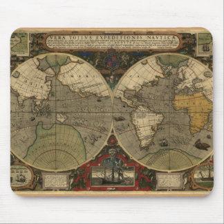 """""""Cojín 1595 de ratón del mapa de Hondius Worlde"""" Tapete De Ratón"""