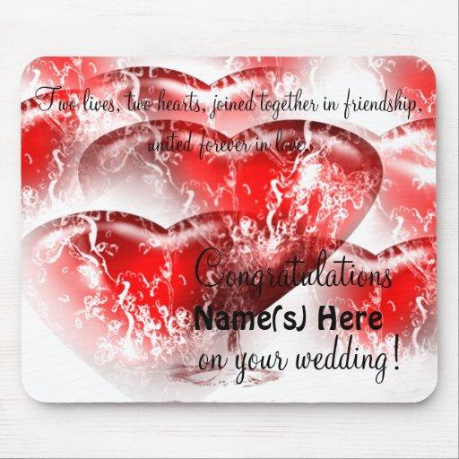 Cojín congratulatorio del boda de los corazones de tapetes de ratón