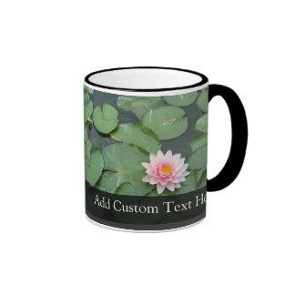 Cojín de lirio rosado/verde personalizado tazas de café