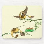 Cojín de ratón con los pájaros de oro coloridos po tapetes de raton