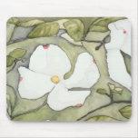 Cojín de ratón de la flor del Dogwood de Ana Haala Alfombrillas De Ratones