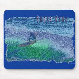 Cojín de ratón de la persona que practica surf de tapete de raton