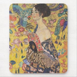 Cojín de ratón de señora With Fan de Gustavo Klimt Alfombrilla De Ratón