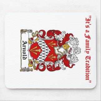 Cojín de ratón del escudo de la familia de Arnold Tapete De Raton