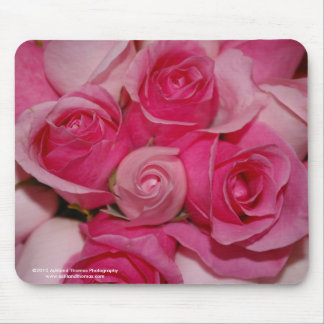 Cojín de ratón fucsia de los rosas mouse pad