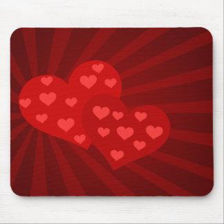 Cojín de ratón rojo de los corazones de la tarjeta alfombrillas de raton