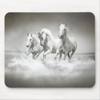 Cojín de ratón salvaje de los caballos blancos tapete de raton