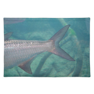 cola de la carpa en imagen del animal de los manteles individuales