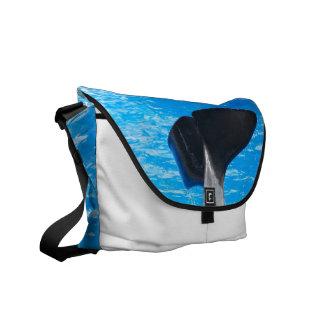 Cola de una bolsa de mensajero de la ballena bolsa de mensajeria