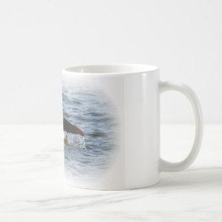 Cola del delfín taza de café