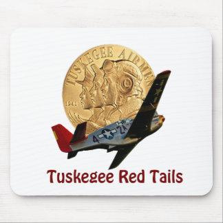 Cola del rojo de Tuskegee Mousepad