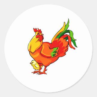 cola verde del gallo con el bebé chick.png pegatina redonda