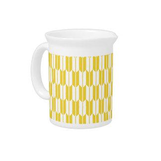 Colas amarillas y blancas de la flecha jarras de beber