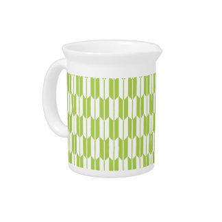 Colas de la flecha de la verde lima y del blanco jarra de beber