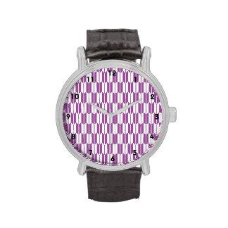 Colas púrpuras y blancas de la flecha reloj de mano