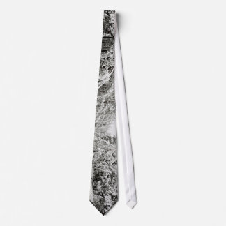 Cold Beauty Tie