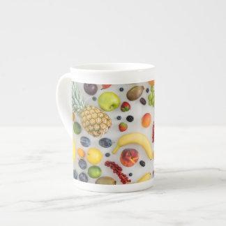 Colección de frutas del verano taza de porcelana