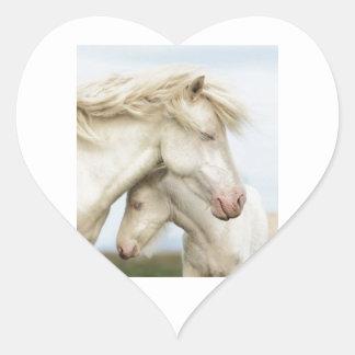 Colección del caballo pegatina en forma de corazón