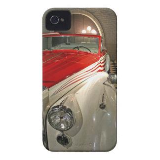 Colección del coche en la fundación de Liberace y Case-Mate iPhone 4 Protector
