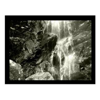 Colección del monocromo de Claunch 72 - cascada Tarjetas Postales