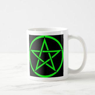 Colección fresca del Pentagram de la bruja (verde) Taza Clásica
