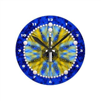 Colector ideal del rosario azul y amarillo reloj redondo mediano