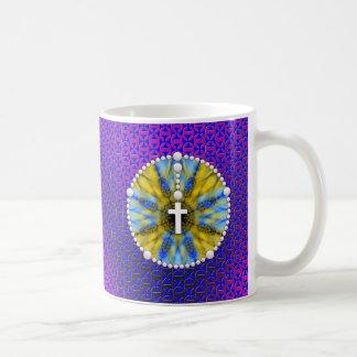 Colector ideal del rosario azul y amarillo taza básica blanca