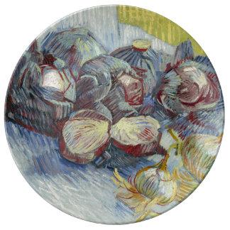 Coles rojas y cebollas de Vincent van Gogh Platos De Cerámica