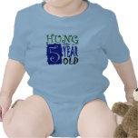 Colgado como 5 años trajes de bebé