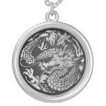 Colgante chino del círculo del dragón