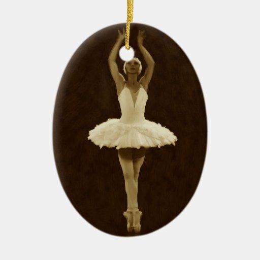 Colgante de la bailarina adorno ovalado de cerámica