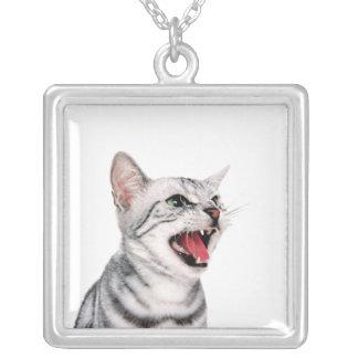 Colgante lindo de la foto del gato. Gatito diverti