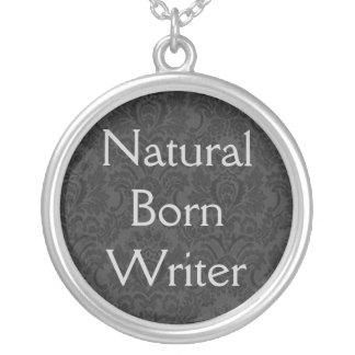 Colgante llevado natural del escritor