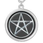 Colgante pagano del símbolo del pentáculo de plata