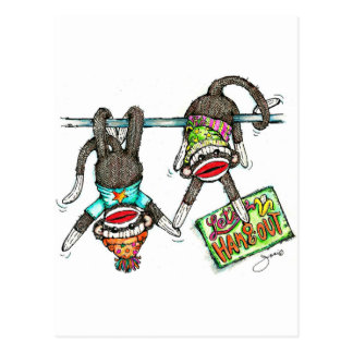 Colguemos hacia fuera - monos del calcetín tarjetas postales