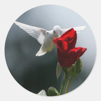 Colibrí blanco pegatina redonda
