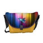 Colibrí colorido en el espectro bolsas de mensajería