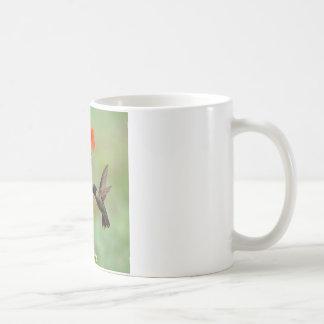 Colibrí y flores taza